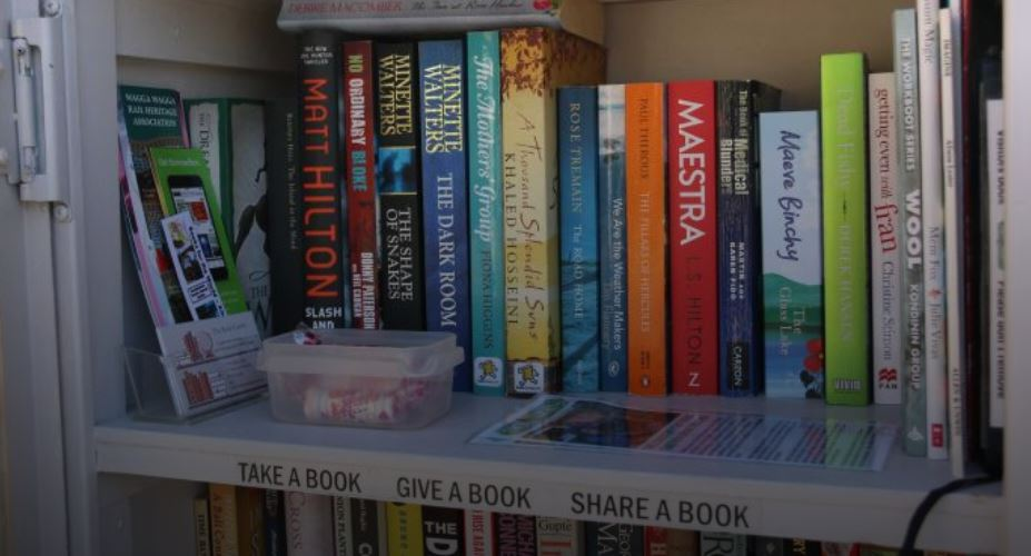 Pop-up street libraries sharing the joy of reading with Hunter communities – Breakfast – ABC Radio